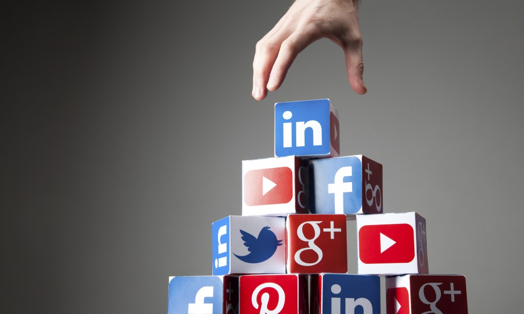 SOCIAL MEDIA SALES TACTICS
